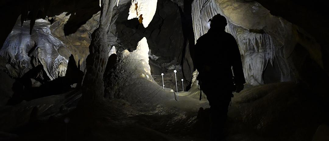 Spéléo à Grotte roche